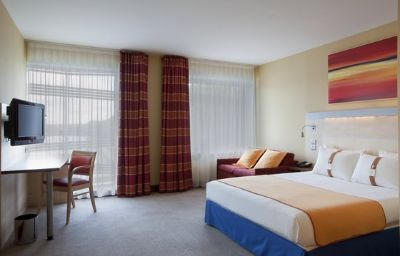 Holiday_Inn_Express_PARIS_-_CANAL_DE_LA_VILLETTE-Paris-Room-3-401474.jpg