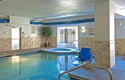 Swimming pool Staybridge Suites CHATTANOOGA-HAMILTON PLACE