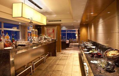 Bar del hotel Doubletree Hilton