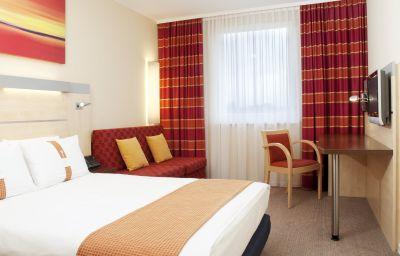 Holiday_Inn_Express_MUNICH_AIRPORT-Oberding-Room-8-402816.jpg