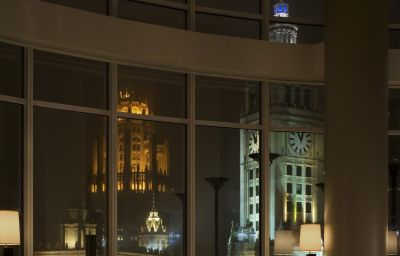 Trump_International_Hotel_Tower-Chicago-Restaurant-1-402940.jpg