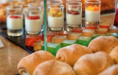 Bufet śniadaniowy NH Orio al Serio
