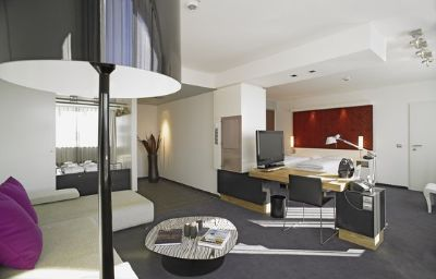Holiday_Inn_VILLACH-Villach-Suite-8-404619.jpg