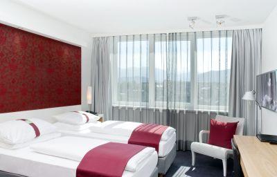 Holiday_Inn_VILLACH-Villach-Room-4-404619.jpg