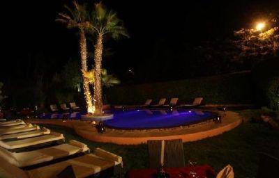 Red_House-Marrakech-Pool-1-407132.jpg