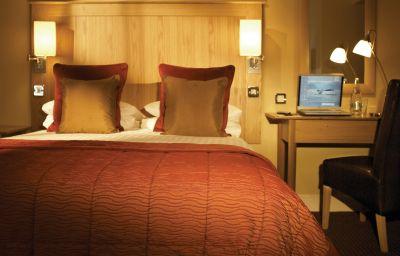 Walton_-_The_Hotel_Collection-Warwick-Double_room_standard-1-407324.jpg