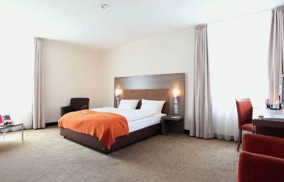 InterCityHotel-Essen-Room-4-407396.jpg