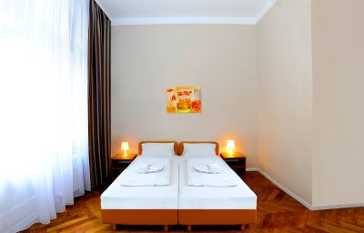 Elegia_am_Kurfuerstendamm-Berlin-Double_room_superior-5-407587.jpg