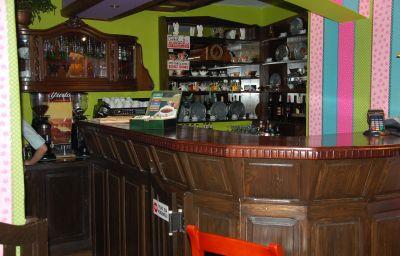 Pod_Klobukiem_Zajazd-Maldyty-Hotel_bar-407954.jpg