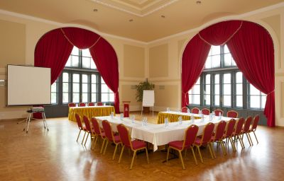 Erzsebet_Kiralyne-Goedoello-Ballroom-3-408582.jpg
