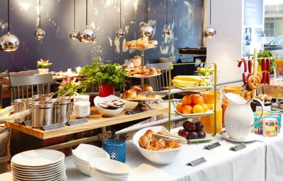 25hours_by_Levis-Frankfurt_am_Main-Breakfast_room-1-409198.jpg