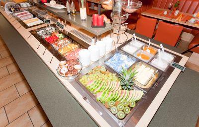Bufet de desayuno Hudewald - Resort