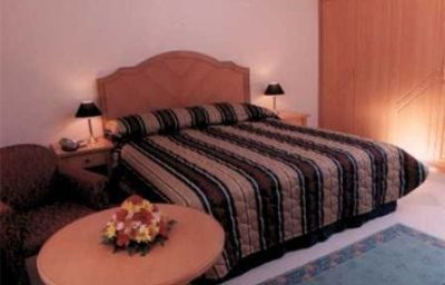 Safeer_Hotel_Suites-Muscat-Room-411925.jpg