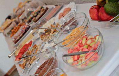 Breakfast buffet Folia