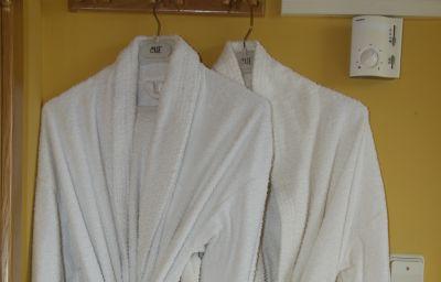 Confort-Oviedo-Superior_room-412575.jpg