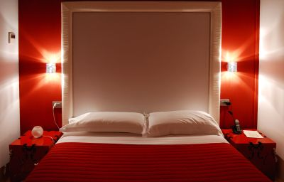 Madonnina_Albergo_Ristorante-Cantello-Four-bed_room-1-412796.jpg