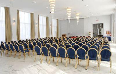 Della_Citta-Forli-Conference_room-1-413415.jpg