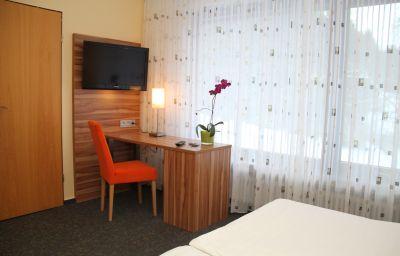Karrenberg_Landhotel-Kirchberg-Doppelzimmer_Komfort-413524.jpg