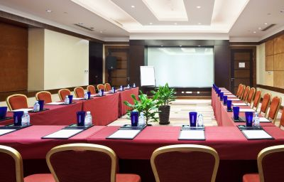 Crowne_Plaza_BEIJING_INTERNATIONAL_AIRPORT-Beijing-Conference_room-3-413545.jpg