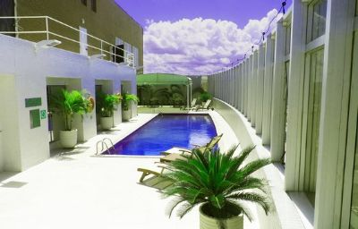 Holiday_Inn_MANAUS-Manaus-Pool-7-417092.jpg