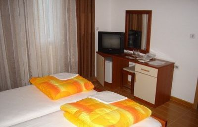 HOTEL_FINESO_BUDVA-Budva-Room-2-417550.jpg