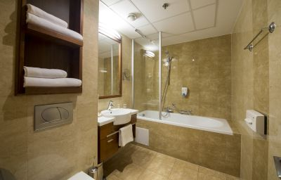 The_Three_Corners_Bristol-Budapest-Bathroom-3-418827.jpg
