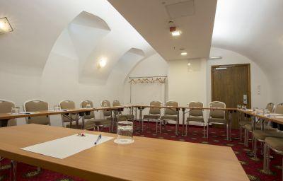 The_Three_Corners_Bristol-Budapest-Conference_room-4-418827.jpg