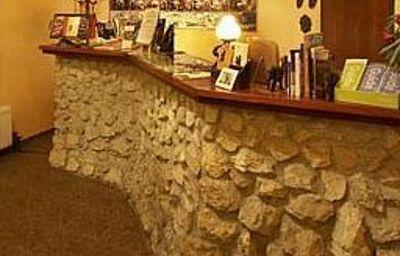 Globtroter_Guest_House-Krakow-Suite-2-419185.jpg