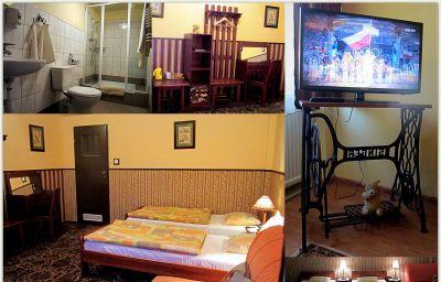 Globtroter_Guest_House-Krakow-Double_room_standard-419185.jpg