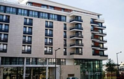 Residhome_Paris_Bois_Colombes_Apparthotel-Bois-Colombes-Exterior_view-2-419857.jpg