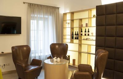 Stadthotel_Hotel_Garni-Schaerding-Hotel_indoor_area-419993.jpg