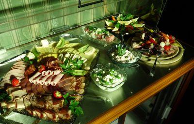 Breakfast buffet Villa Alice
