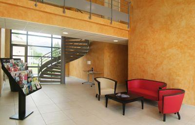 Hall de l'hôtel Residhome Genève Prevessin Le Carré d'Or Apparthotel