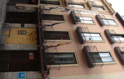 Posada_del_Toro-Granada-Hotel_outdoor_area-421516.jpg