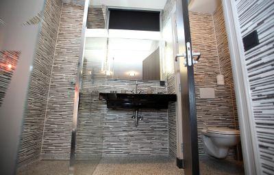 Bloemendaal-Bloemendaal-Family_room-7-421907.jpg