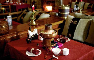Restaurant/breakfast room Songtsam Retreat at Shangri la MGallery Collection