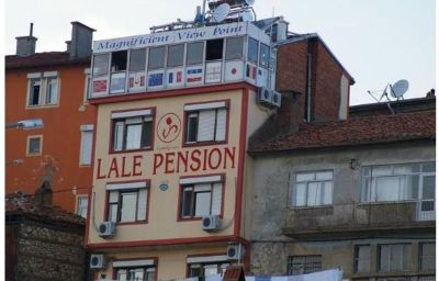 Widok zewnętrzny Lale Pansiyon