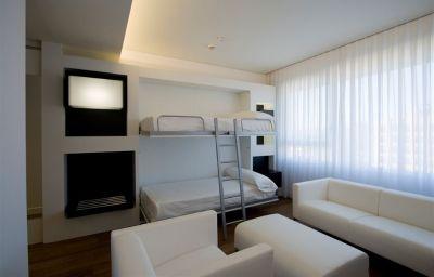Room Axor Barajas