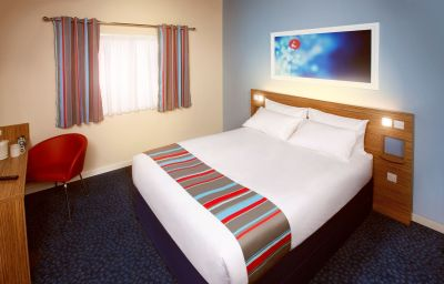 TRAVELODGE_LONDON_CENTRAL_SOUTHWARK-London-Double_room_standard-427611.jpg