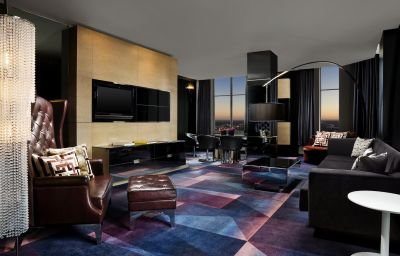 W_HOTEL_MINNEAPOLIS_THE_FOSHAY-Minneapolis-Room-18-428291.jpg