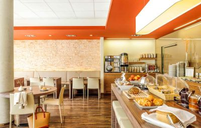 ibis_Friedrichshafen_Airport_Messe-Friedrichshafen-Restaurantbreakfast_room-3-429032.jpg