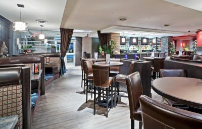 Hotel bar Holiday Inn Hotel & Suites SURREY EAST - CLOVERDALE