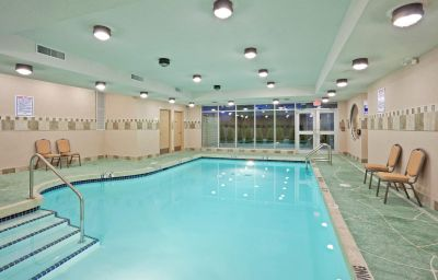 Holiday_Inn_Hotel_Suites_SURREY_EAST_-_CLOVERDALE-Surrey-Pool-2-429826.jpg