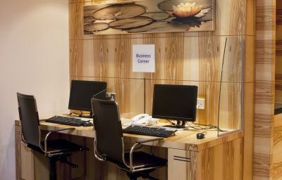 Interni hotel Holiday Inn Express LONDON - WATFORD JUNCTION