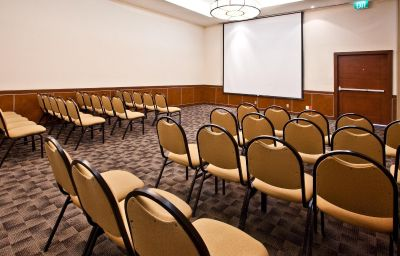 Holiday_Inn_URUAPAN-Uruapan-Conference_room-13-430013.jpg