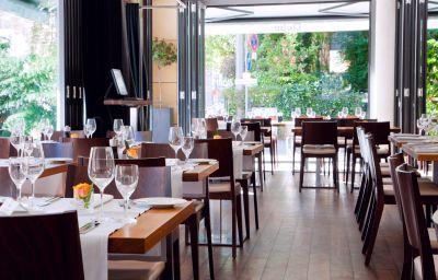 Restaurante/sala de desayunos Qube