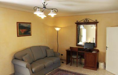 Castello_Montegiove_Country_House-Fano-Family_room-2-430532.jpg