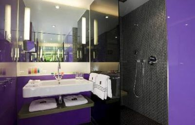 G_V_Royal_Mile_Hotel_Edinburgh-Edinburgh-Bathroom-1-431020.jpg