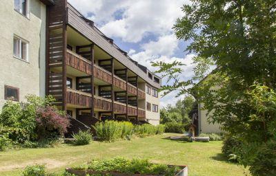 Aflenzer_Wanderhotel_-_HOTEL_POST_KARLON-Aflenz_Kurort-Exterior_view-6-431413.jpg