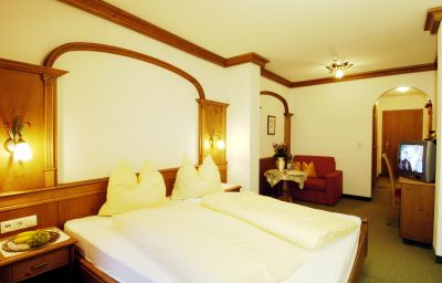Sieghard-Hippach-Double_room_standard-1-431530.jpg